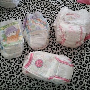 Other - 👯$5 IF BUNDLE. 18 pcs training diapers